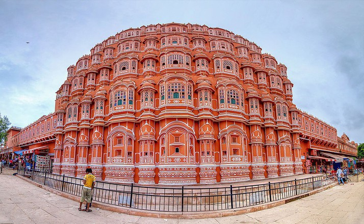 Things to do at hawa mahal
