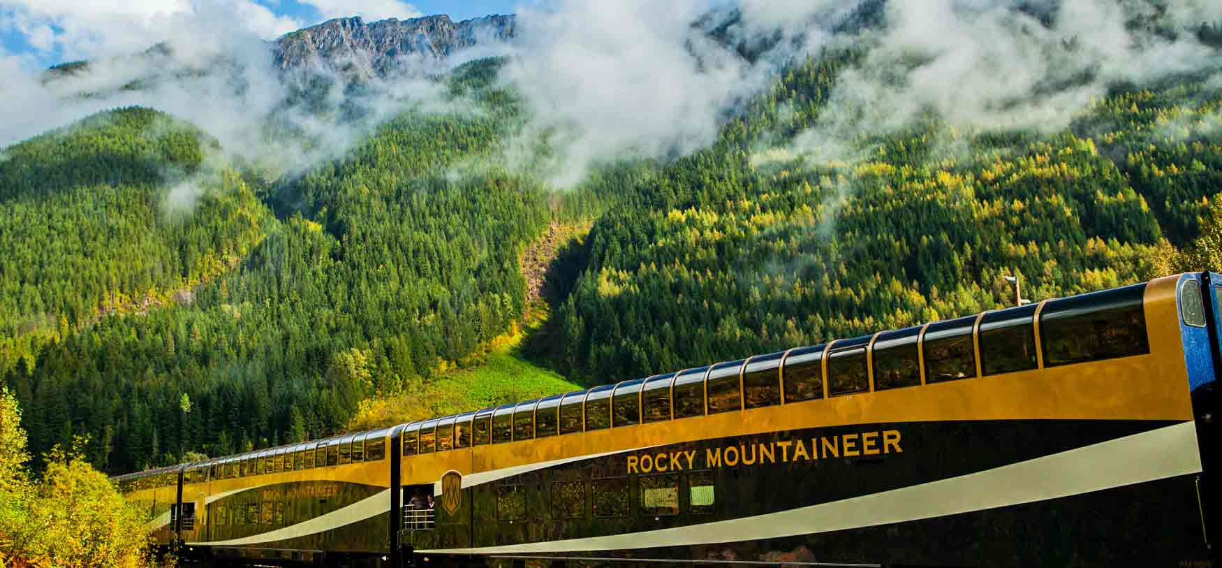 Top 10 Luxury Train in the World - Deccan Odyssey Blog